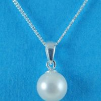 Silver Fresh Water Pearl Pendant.